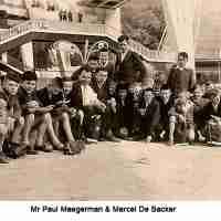 <strong>Schooluitstap naar Expo 58</strong><br>1958 ©Herzele in Beeld<br><br><a href='https://www.herzeleinbeeld.be/Foto/106/Schooluitstap-naar-Expo-58'><u>Meer info over de foto</u></a>