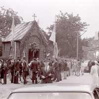 <strong>Viering 100 jaar Heilige Cornelius -   Sint Antelinks  -  1977</strong><br> ©Herzele in Beeld<br><br><a href='https://www.herzeleinbeeld.be/Foto/1362/Viering-100-jaar-Heilige-Cornelius-----Sint-Antelinks-----1977'><u>Meer info over de foto</u></a>