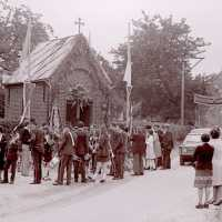 <strong>Viering 100 jaar Heilige Cornelius -   Sint Antelinks  -  1977</strong><br> ©Herzele in Beeld<br><br><a href='https://www.herzeleinbeeld.be/Foto/1363/Viering-100-jaar-Heilige-Cornelius-----Sint-Antelinks-----1977'><u>Meer info over de foto</u></a>