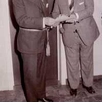 <strong>Inhuldiging burgemeester De Vuyst te  Borsbeke  -  1976</strong><br> ©Herzele in Beeld<br><br><a href='https://www.herzeleinbeeld.be/Foto/1386/Inhuldiging-burgemeester-De-Vuyst-te--Borsbeke-----1976'><u>Meer info over de foto</u></a>