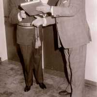 <strong>Inhuldiging burgemeester De Vuyst te  Borsbeke  -  1976</strong><br> ©Herzele in Beeld<br><br><a href='https://www.herzeleinbeeld.be/Foto/1387/Inhuldiging-burgemeester-De-Vuyst-te--Borsbeke-----1976'><u>Meer info over de foto</u></a>