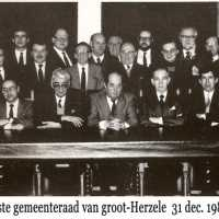 <strong>Politiek Herzele </strong><br>01-01-1960 ©Herzele in Beeld<br><br><a href='https://www.herzeleinbeeld.be/Foto/1403/Politiek-Herzele-'><u>Meer info over de foto</u></a>