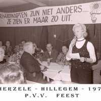 <strong>PVV Algemeen  -  1976</strong><br> ©Herzele in Beeld<br><br><a href='https://www.herzeleinbeeld.be/Foto/1430/PVV-Algemeen-----1976'><u>Meer info over de foto</u></a>