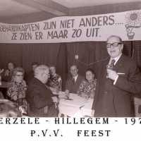 <strong>PVV Algemeen  -  1976</strong><br> ©Herzele in Beeld<br><br><a href='https://www.herzeleinbeeld.be/Foto/1439/PVV-Algemeen-----1976'><u>Meer info over de foto</u></a>