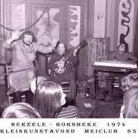 <strong>Allerlei foto's jaren 70</strong><br>01-01-1970 ©Herzele in Beeld<br><br><a href='https://www.herzeleinbeeld.be/Foto/1516/Allerlei-fotos-jaren-70'><u>Meer info over de foto</u></a>