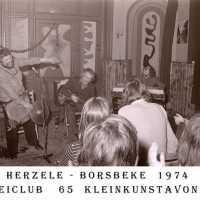 <strong>Allerlei foto's jaren 70</strong><br>01-01-1970 ©Herzele in Beeld<br><br><a href='https://www.herzeleinbeeld.be/Foto/1523/Allerlei-fotos-jaren-70'><u>Meer info over de foto</u></a>