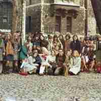 <strong>Schooluitstap naar Londen  Sint-Paulus  -  1977</strong><br>1977 ©Herzele in Beeld<br><br><a href='https://www.herzeleinbeeld.be/Foto/156/Schooluitstap-naar-Londen--Sint-Paulus-----1977'><u>Meer info over de foto</u></a>