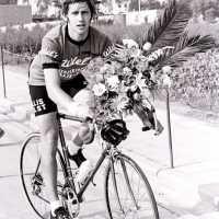 <strong>Wielrennen te Borsbeke  -  1977</strong><br>01-01-1977 ©Herzele in Beeld<br><br><a href='https://www.herzeleinbeeld.be/Foto/1707/Wielrennen-te-Borsbeke-----1977'><u>Meer info over de foto</u></a>