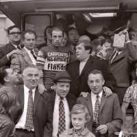 <strong>André Dierickx - Winaar beroeprenners Herzele  -  1973 </strong><br>01-01-1973 ©Herzele in Beeld<br><br><a href='https://www.herzeleinbeeld.be/Foto/1785/André-Dierickx---Winaar-beroeprenners-Herzele-----1973-'><u>Meer info over de foto</u></a>