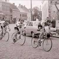 <strong>André Dierickx - Winaar beroeprenners Herzele  -  1973 </strong><br> ©Herzele in Beeld<br><br><a href='https://www.herzeleinbeeld.be/Foto/1787/André-Dierickx---Winaar-beroeprenners-Herzele-----1973-'><u>Meer info over de foto</u></a>