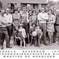 <strong>Boogschutters (deel 2)   -  1974 t.e.m. 1977</strong><br>1975 ©Herzele in Beeld<br><br><a href='https://www.herzeleinbeeld.be/Foto/1850/Boogschutters-(deel-2)------1974-t.e.m.-1977'><u>Meer info over de foto</u></a>