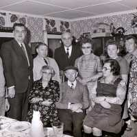<strong>Gouden bruiloften  -  1975 + 76</strong><br>20-11-1976 ©Herzele in Beeld<br><br><a href='https://www.herzeleinbeeld.be/Foto/2000/Gouden-bruiloften-----1975-+-76'><u>Meer info over de foto</u></a>