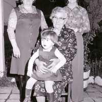 <strong>Gouden bruiloften  -  1975 + 76</strong><br>20-11-1976 ©Herzele in Beeld<br><br><a href='https://www.herzeleinbeeld.be/Foto/2002/Gouden-bruiloften-----1975-+-76'><u>Meer info over de foto</u></a>
