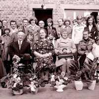 <strong>Gouden bruiloften  -  1975 + 76</strong><br>01-01-1975 ©Herzele in Beeld<br><br><a href='https://www.herzeleinbeeld.be/Foto/2007/Gouden-bruiloften-----1975-+-76'><u>Meer info over de foto</u></a>