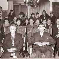 <strong>Gouden bruiloften  -  1975 + 76</strong><br>1975 ©Herzele in Beeld<br><br><a href='https://www.herzeleinbeeld.be/Foto/2008/Gouden-bruiloften-----1975-+-76'><u>Meer info over de foto</u></a>