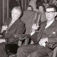 <strong>Gouden bruiloften  -  1975 + 76</strong><br>1975 ©Herzele in Beeld<br><br><a href='https://www.herzeleinbeeld.be/Foto/2009/Gouden-bruiloften-----1975-+-76'><u>Meer info over de foto</u></a>
