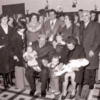 <strong>Gouden bruiloften  -  1975 + 76</strong><br>1976 ©Herzele in Beeld<br><br><a href='https://www.herzeleinbeeld.be/Foto/2015/Gouden-bruiloften-----1975-+-76'><u>Meer info over de foto</u></a>