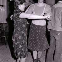 <strong>Prior winnaar - Hillegem - 1976</strong><br> ©Herzele in Beeld<br><br><a href='https://www.herzeleinbeeld.be/Foto/2032/Prior-winnaar---Hillegem---1976'><u>Meer info over de foto</u></a>