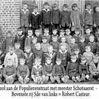 <strong>Gemeenteschool Sint-Lievens-Esse  -  1934</strong><br>1934 ©Herzele in Beeld<br><br><a href='https://www.herzeleinbeeld.be/Foto/2057/Gemeenteschool-Sint-Lievens-Esse-----1934'><u>Meer info over de foto</u></a>