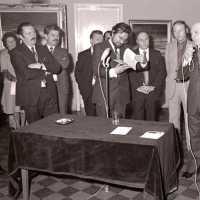 <strong>Kunstschilder Georges Muys - Tentoonstellingen  1973 & 1975</strong><br>01-01-1975 ©Herzele in Beeld<br><br><a href='https://www.herzeleinbeeld.be/Foto/2072/Kunstschilder-Georges-Muys---Tentoonstellingen--1973-&-1975'><u>Meer info over de foto</u></a>