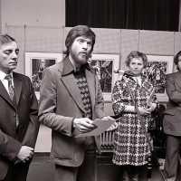 <strong>Kunstschilder Masereel stelt tentoon in Gemeentehuis  -  1975</strong><br> ©Herzele in Beeld<br><br><a href='https://www.herzeleinbeeld.be/Foto/2124/Kunstschilder-Masereel-stelt-tentoon-in-Gemeentehuis-----1975'><u>Meer info over de foto</u></a>