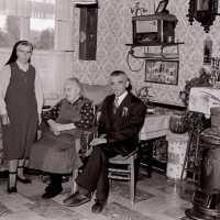 <strong>100ste verjaardag van Delphine Temmerman te Borsbeke -  1975</strong><br>1971 ©Herzele in Beeld<br><br><a href='https://www.herzeleinbeeld.be/Foto/2176/100ste-verjaardag-van-Delphine-Temmerman-te-Borsbeke----1975'><u>Meer info over de foto</u></a>