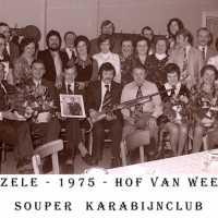 <strong>Souper (eetfestijn) allerlei verenigingen - 1974-75-76</strong><br> ©Herzele in Beeld<br><br><a href='https://www.herzeleinbeeld.be/Foto/2206/Souper-(eetfestijn)-allerlei-verenigingen---1974-75-76'><u>Meer info over de foto</u></a>