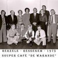 <strong>Souper (eetfestijn) allerlei verenigingen - 1974-75-76</strong><br> ©Herzele in Beeld<br><br><a href='https://www.herzeleinbeeld.be/Foto/2207/Souper-(eetfestijn)-allerlei-verenigingen---1974-75-76'><u>Meer info over de foto</u></a>