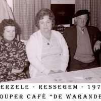 <strong>Souper (eetfestijn) allerlei verenigingen - 1974-75-76</strong><br> ©Herzele in Beeld<br><br><a href='https://www.herzeleinbeeld.be/Foto/2211/Souper-(eetfestijn)-allerlei-verenigingen---1974-75-76'><u>Meer info over de foto</u></a>
