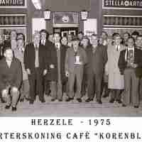 <strong>Kaarters  -  1973 t.e.m. 1977</strong><br> ©Herzele in Beeld<br><br><a href='https://www.herzeleinbeeld.be/Foto/2246/Kaarters-----1973-t.e.m.-1977'><u>Meer info over de foto</u></a>