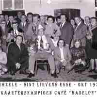 <strong>Kaarters  -  1973 t.e.m. 1977</strong><br> ©Herzele in Beeld<br><br><a href='https://www.herzeleinbeeld.be/Foto/2253/Kaarters-----1973-t.e.m.-1977'><u>Meer info over de foto</u></a>