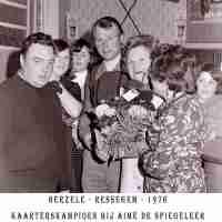 <strong>Kaarters  -  1973 t.e.m. 1977</strong><br> ©Herzele in Beeld<br><br><a href='https://www.herzeleinbeeld.be/Foto/2263/Kaarters-----1973-t.e.m.-1977'><u>Meer info over de foto</u></a>