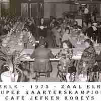 <strong>Kaarters  -  1973 t.e.m. 1977</strong><br> ©Herzele in Beeld<br><br><a href='https://www.herzeleinbeeld.be/Foto/2284/Kaarters-----1973-t.e.m.-1977'><u>Meer info over de foto</u></a>