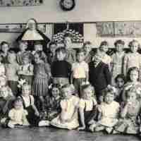 <strong>Archief: Ghislain Van Wayenberghe</strong><br>1953 ©Herzele in Beeld<br><br><a href='https://www.herzeleinbeeld.be/Foto/2441/Archief:-Ghislain-Van-Wayenberghe'><u>Meer info over de foto</u></a>