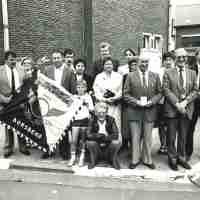 <strong>Bestuur De Rappe Sprinters - Borsbeke</strong><br>01-01-1980 - 01-01-1982 ©Herzele in Beeld<br><br><a href='https://www.herzeleinbeeld.be/Foto/2475/Bestuur-De-Rappe-Sprinters---Borsbeke'><u>Meer info over de foto</u></a>