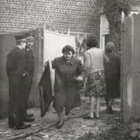 <strong>Brand Kauwstraat Sint-Lievens-Esse</strong><br>1972 ©Herzele in Beeld<br><br><a href='https://www.herzeleinbeeld.be/Foto/261/Brand-Kauwstraat-Sint-Lievens-Esse'><u>Meer info over de foto</u></a>