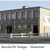 <strong>Basisschool De Vierwegen - Houtemstraat</strong><br> ©Peter de Jaeger<br><br><a href='https://www.herzeleinbeeld.be/Foto/339/Basisschool-De-Vierwegen---Houtemstraat'><u>Meer info over de foto</u></a>