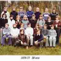 <strong>Klasfoto's Beatrijs Den Tandt Sint-Paulusinstituut</strong><br> ©Herzele in Beeld<br><br><a href='https://www.herzeleinbeeld.be/Foto/656/Klasfotos-Beatrijs-Den-Tandt-Sint-Paulusinstituut'><u>Meer info over de foto</u></a>