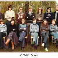 <strong>Klasfoto's Beatrijs Den Tandt Sint-Paulusinstituut</strong><br> ©Herzele in Beeld<br><br><a href='https://www.herzeleinbeeld.be/Foto/658/Klasfotos-Beatrijs-Den-Tandt-Sint-Paulusinstituut'><u>Meer info over de foto</u></a>