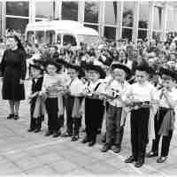 <strong>Borsbeke - Vrije basischool - schoolfeest  -  1969</strong><br> ©Herzele in Beeld<br><br><a href='https://www.herzeleinbeeld.be/Foto/687/Borsbeke---Vrije-basischool---schoolfeest-----1969'><u>Meer info over de foto</u></a>