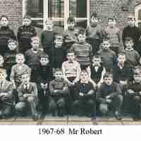 <strong>Borsbeke gemeenteschool  -  Verschillende schooljaren</strong><br>01-01-1960 ©Herzele in Beeld<br><br><a href='https://www.herzeleinbeeld.be/Foto/719/Borsbeke-gemeenteschool-----Verschillende-schooljaren'><u>Meer info over de foto</u></a>