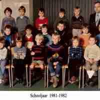 <strong>Klasfoto's Luc De Koker </strong><br> ©Herzele in Beeld<br><br><a href='https://www.herzeleinbeeld.be/Foto/764/Klasfotos-Luc-De-Koker-'><u>Meer info over de foto</u></a>