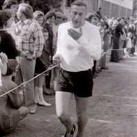 <strong>Veldlopen Borsbeke  -  1974</strong><br>01-01-1974 ©Herzele in Beeld<br><br><a href='https://www.herzeleinbeeld.be/Foto/890/Veldlopen-Borsbeke-----1974'><u>Meer info over de foto</u></a>