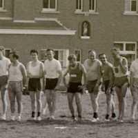 <strong>Veldlopen Borsbeke  -  1974</strong><br>01-01-1974 ©Herzele in Beeld<br><br><a href='https://www.herzeleinbeeld.be/Foto/895/Veldlopen-Borsbeke-----1974'><u>Meer info over de foto</u></a>